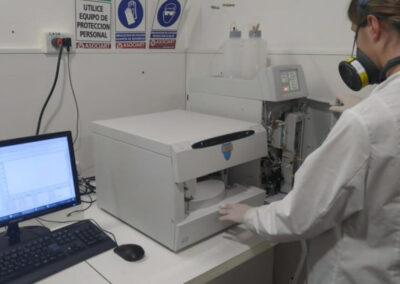 Sistema de Cromatografía Iónica modelo AQUION con Detector Condutrimétrico para Cuantificación de Aniones